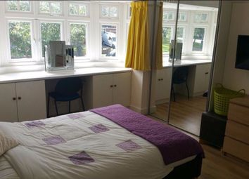 Thumbnail Studio to rent in Trentwood Side, Enfield