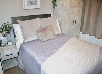 Thumbnail 5 bed shared accommodation to rent in Earlsmere Avenue, Doncaster