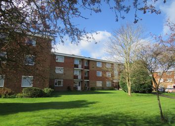 2 bed flat to rent in Beverley Road, Leamington Spa CV32