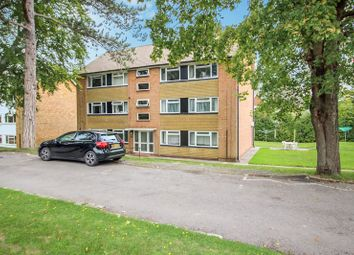 2 bed flat for sale in Tupwood Lane, Caterham CR3