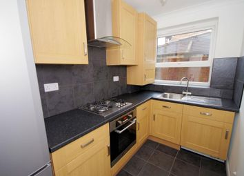 Thumbnail 2 bedroom flat to rent in Gruneisen Road, Finchley