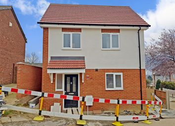 Thumbnail 2 bed detached house for sale in Hendon Gardens, Collier Row, Romford, Essex