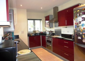 Thumbnail 5 bed property to rent in Fox Brook, St. Neots