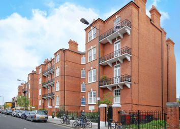 Thumbnail 1 bed flat to rent in Kelvedon Road, Parsons Green