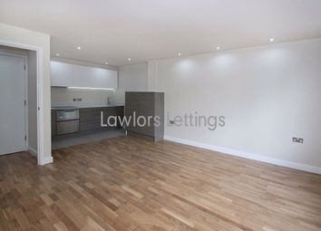 Balmoral House, Charteris Road, Woodford Green IG8. 1 bed flat