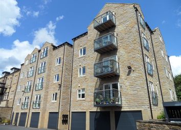Thumbnail 2 bed flat to rent in Huddersfield Road, Halifax