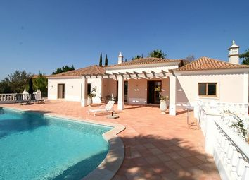 Thumbnail 3 bed villa for sale in Portugal, Algarve, Loule