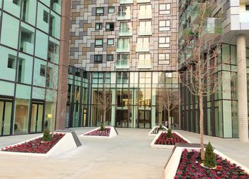 Thumbnail 2 bed flat for sale in Talisman Tower, Lincoln Plaza, Canary Wharf, London