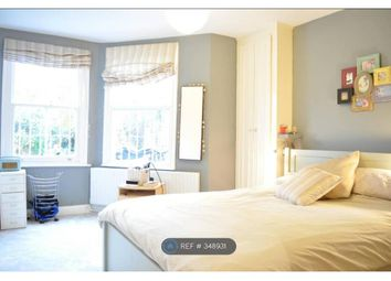 Thumbnail 2 bed flat to rent in Clapham, Clapham