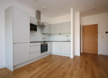 Thumbnail 1 bed flat to rent in Newtown Road, Henley-On-Thames
