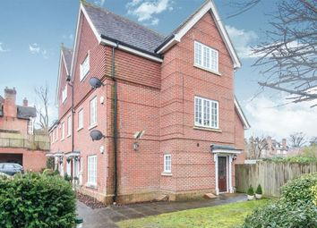 Thumbnail 2 bed property to rent in Wychwood Place, Winchester