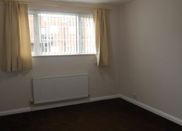 3 bed maisonette to rent in St Catherine's Court, Chiswick W4