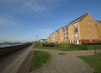 2 bed flat to rent in Timber Court, Grays RM17
