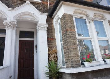 2 bed flat to rent in High Road Leyton, London E15