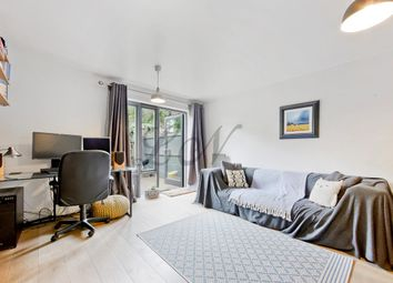 2 bed maisonette to rent in Dalmeny Road, Tufnell Park N7