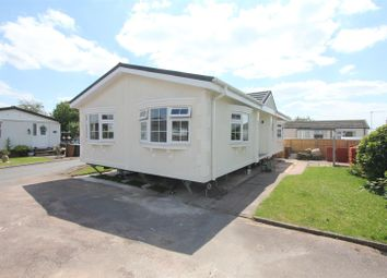 2 bed mobile/park home for sale in Springfield Park, Wykin Road, Hinckley LE10