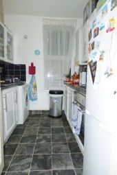 Thumbnail 1 bedroom flat to rent in Devonshire Road, Palmers Green