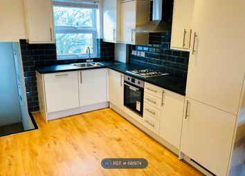 3 bed flat to rent in Old Kent Road, London SE15