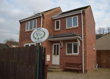 Thumbnail 2 bed detached house to rent in Farnham Way, Crofton, Wakefield