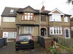 Thumbnail 2 bed maisonette for sale in Leicester Road, Luton