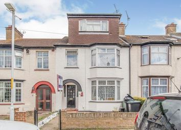 Gouge Avenue, Northfleet, Gravesend, Kent DA11. 5 bed terraced house