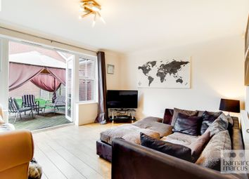 Buxton Close, Epsom KT19. 4 bed detached house