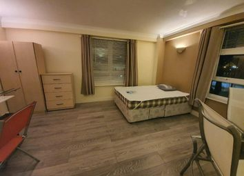 Room to rent in Worgan Street, London SE16