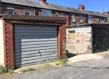 Parking/garage to rent in Garage, Rear Devonshire Road, Blackpool FY1