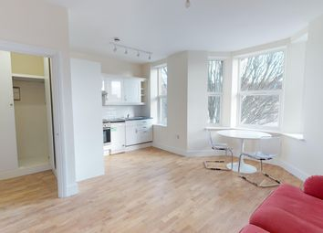 Thumbnail 1 bed flat to rent in Birkbeck Avenue, Acton
