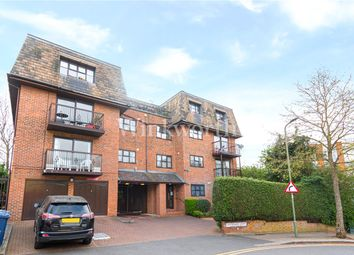 Woodlands, London NW11. 2 bed flat for sale