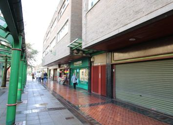 Thumbnail 2 bedroom flat to rent in La Porte Precinct, Grangemouth
