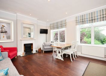 Thumbnail 2 bed flat to rent in North Road, Kew