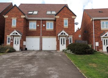 Thumbnail 3 bed town house to rent in Springwell Road, Ossett