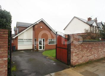 Thumbnail 4 bedroom detached bungalow to rent in Hough Green Road, Widnes