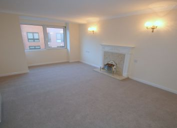 Thumbnail 2 bedroom flat to rent in Bridge Avenue, Maidenhead