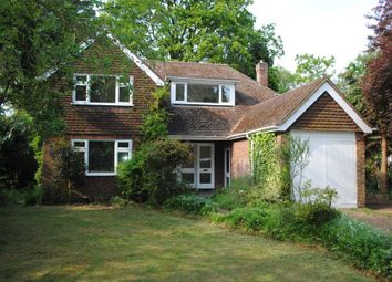 Thumbnail 3 bed country house to rent in Blackwood Close, West Byfleet