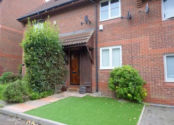 Thumbnail 2 bed maisonette for sale in Bunning Way, Islington