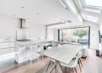 Fulham Palace Road, London SW6. 2 bed flat for sale