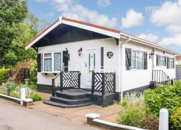 Thumbnail 2 bedroom mobile/park home for sale in Pickford Drive, Orchards Residential Park, Slough
