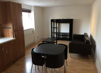 Thumbnail 1 bed flat to rent in Old Kent Road, Elephant And Castle, London