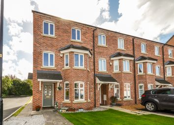 Thumbnail 3 bed town house for sale in Goldfinch Drive, Catterall, Preston