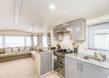 2 bed mobile/park home for sale in Birdlake Pastures, Northampton, Northamptonshire NN3