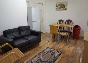 2 bed flat to rent in Oldfield Road, Salford M5