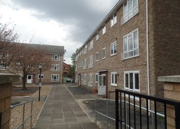 Thumbnail 2 bed flat to rent in Hypethorpe Road, Balham