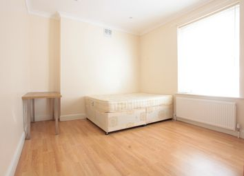Thumbnail 5 bed terraced house to rent in Bridport Rd, London