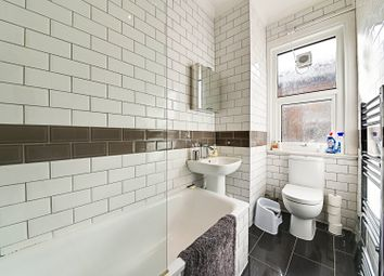 Thumbnail 5 bedroom maisonette for sale in East End Road, London