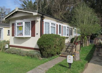 Thumbnail 2 bed mobile/park home for sale in Kingsmead Park (Ref 5558), Elstead, Godalming, Surrey