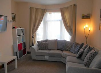 Thumbnail 1 bed flat to rent in Amherst Crescent, Barry