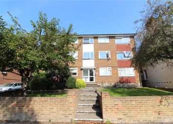 Sandford Court, Bosworth Road, Barnet EN5. 2 bed flat