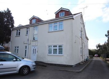 2 bed flat to rent in Staines Road West, Ashford, Surrey TW15